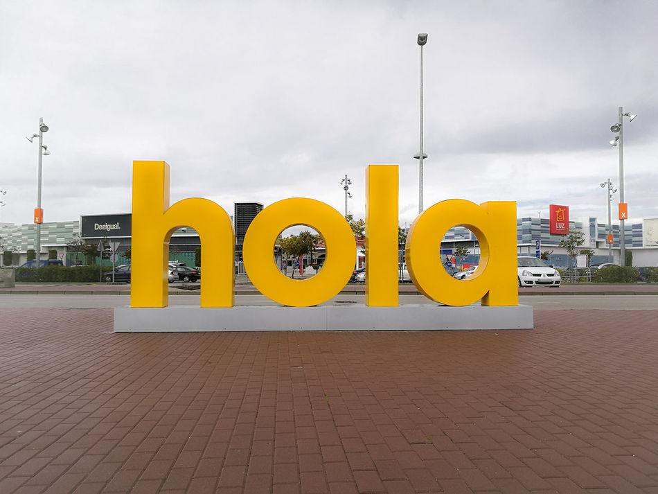 Ahoj Aloha Ciao Cześć Hallo Hej Hello Hola Konnichiwa  Merhaba Namaste Salut Tere Привет السلام 你好 People Color Colors My Year My View Happiness Yellow HuaweiP9