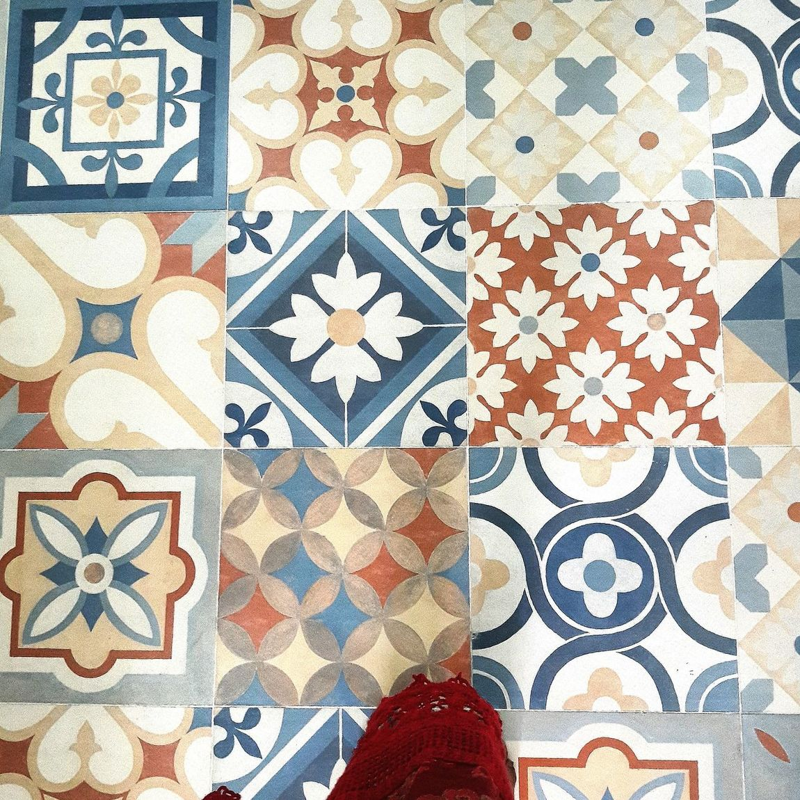What a beautiful tiles! First Eyeem Photo EyeEm Eyeemphoto Abirdseyeview Pivotal Ideas Tiles Tiles Textures Tiles Architecture Tilesart Tiles Of Morocco Tilesaddiction Tiles Floor ArtWork Art Enthusiast Beautiful Taking Photos Portrait Check This Out Marvelouscapture Style Pattern Design Interior Decorating From Where I Stand From My Point Of View I Have This Thing With Floors