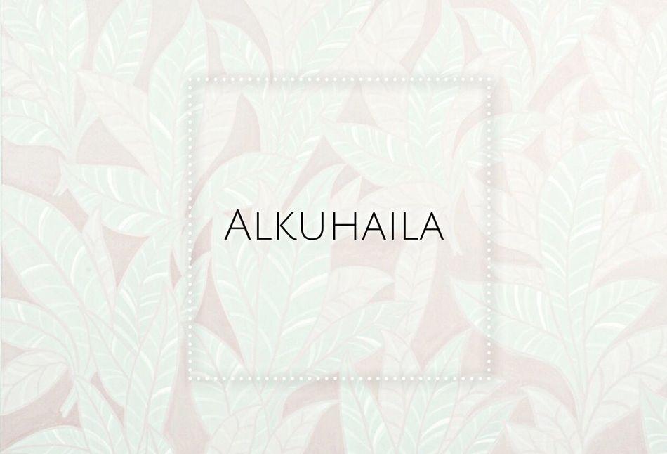 AlKuhaila Abu Dhabi , abaya & kaftans Boutique ? People Watching