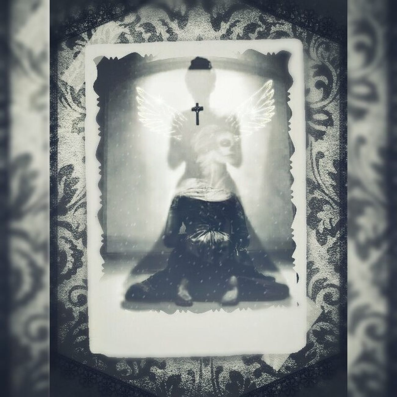 Digitalart  Mementomori Victorian Photomanipulation Darkart Gothicart Blackandwhite Blackandwhitephotography
