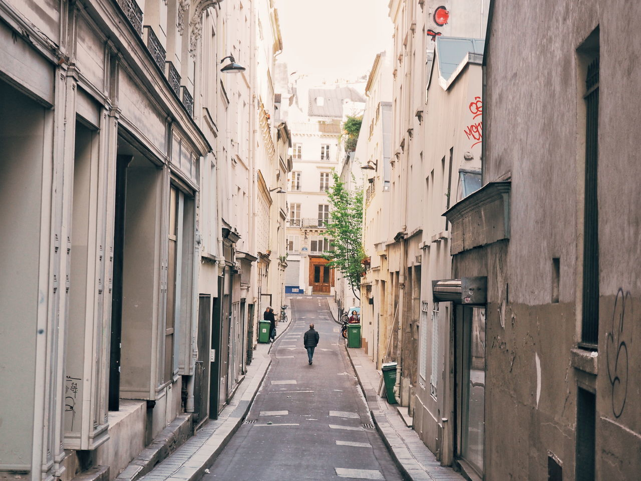 Architecture Built Structure The Way Forward Walking Day Building Exterior Men Real People Full Length City Outdoors People Adult Adults Only Walking Around Walking Around The City  Lonely Alleyway Quiet Moments Quiet Moment, Busy Place Paris Neighborhood Map