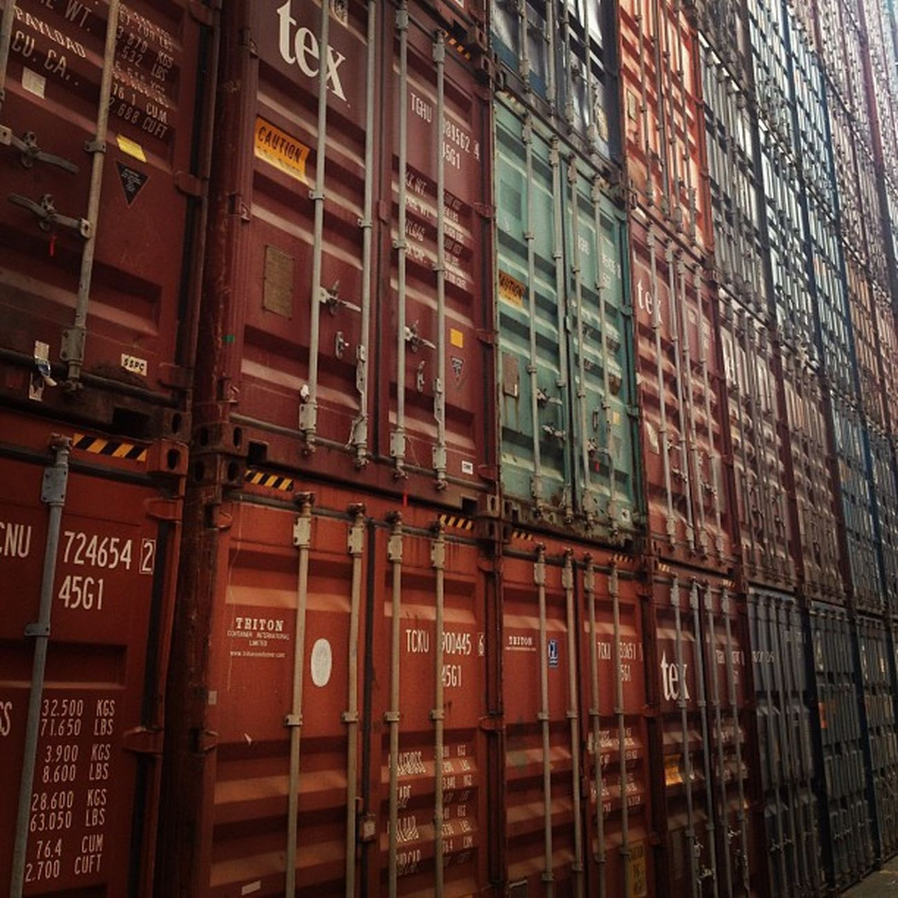 A world of adventures, where might all these containers go next? Sequbu Valparaíso Port