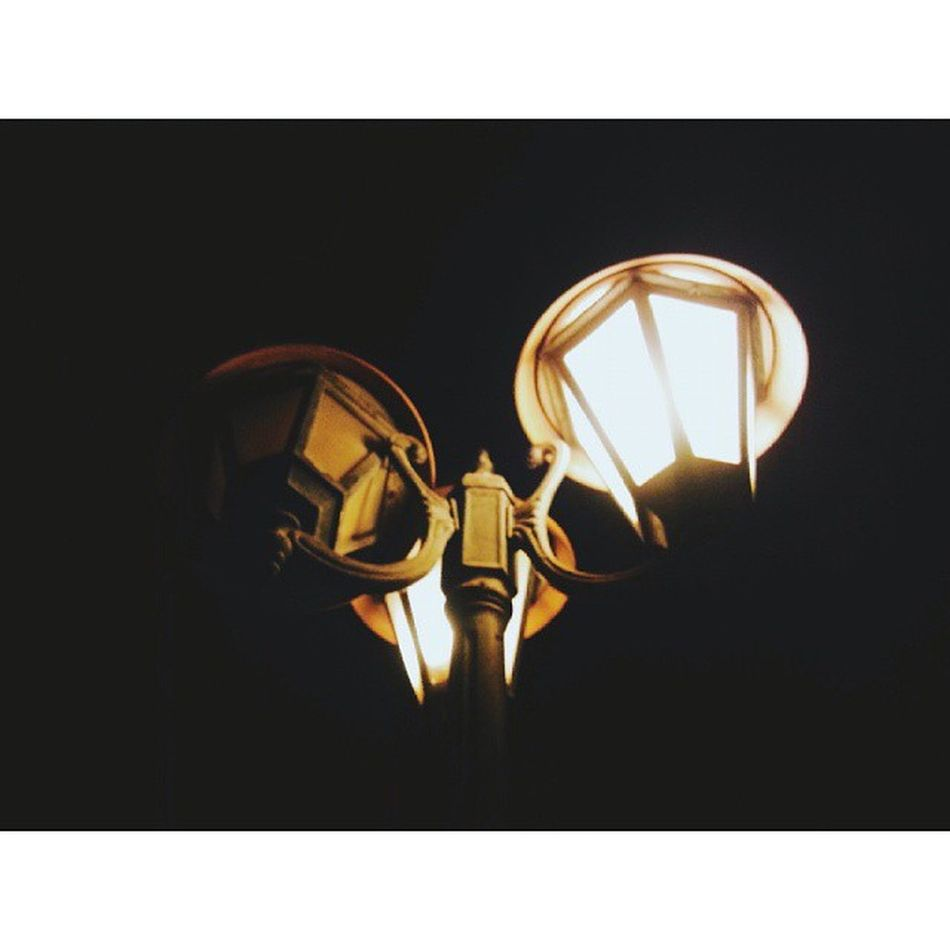 and we met under the street lamp Fginvades @fadigwanny Night Lights Lantern Taking Photos