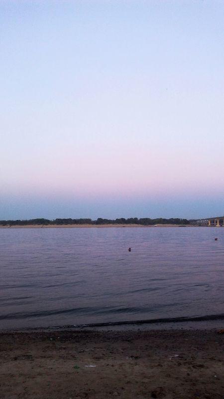 Enjoying Life Relaxing Photo♡ EyeEm Gallery Beach Walk River Side Beachphotography Evening Sky