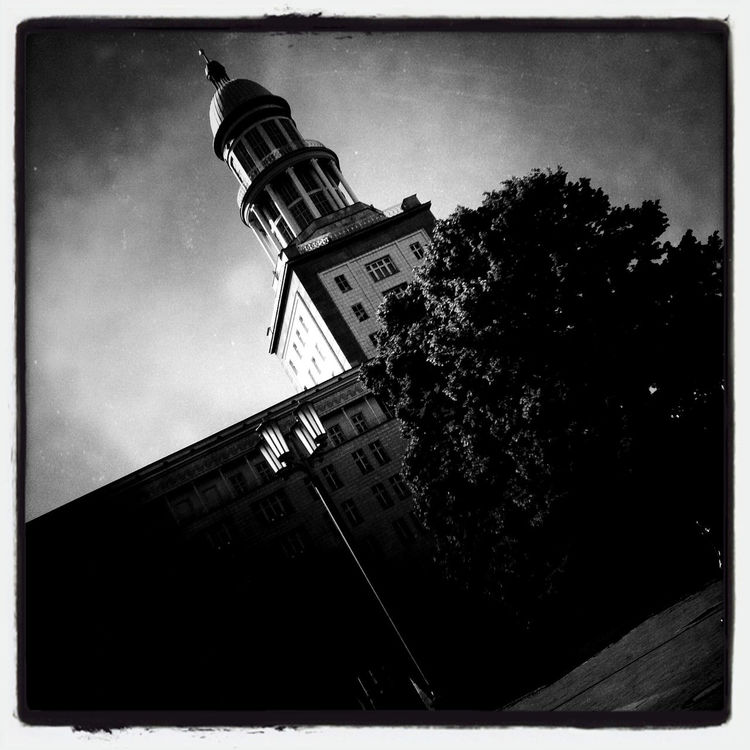blackandwhite at Frankfurter Tor by S T E N    B U R G