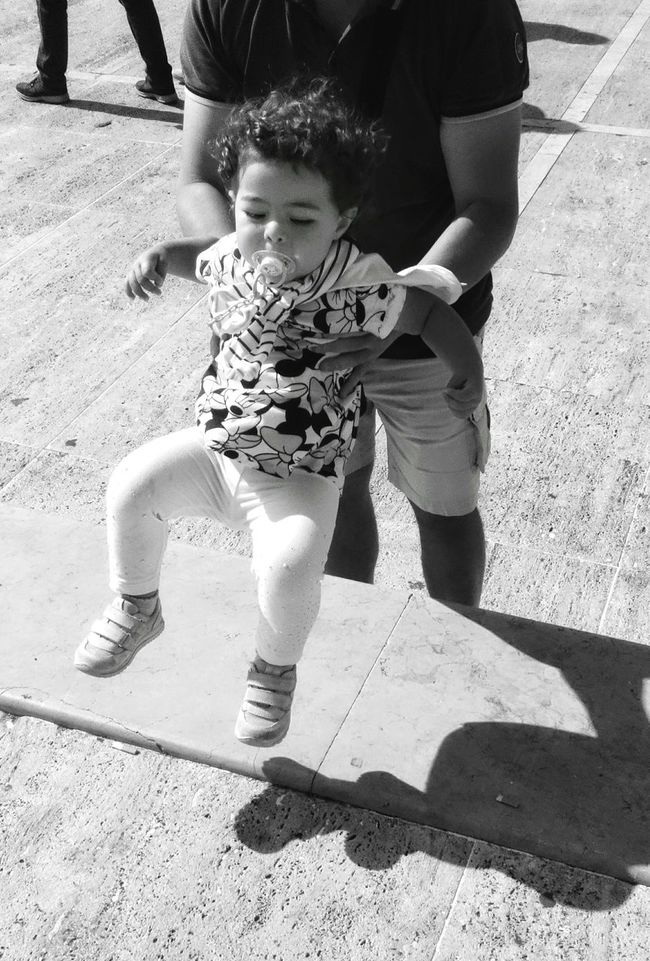 Monochrome Photography Father And Daughter Black And White Real People Street Photo Streetphotographer Black And White Photography The Essence Of Real People Street Photography Urban Life Street Scenes Streetphoto Captured Moment Father And Child People Around You
