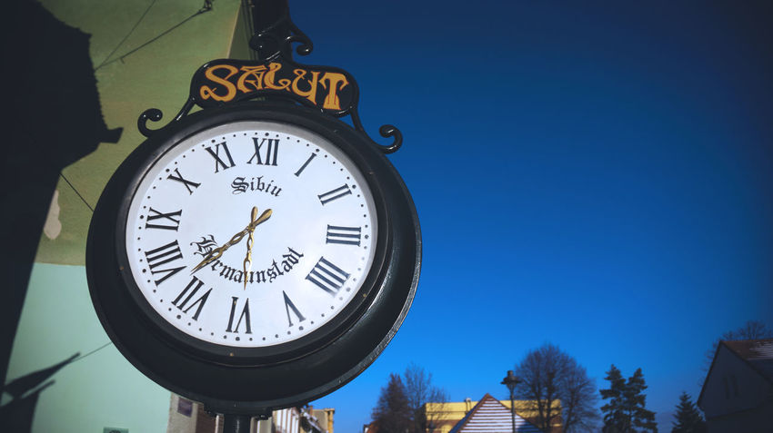 Clock Clock Face Close-up Day Hour Hand Instrument Of Time Low Angle View Minute Hand No People Outdoors Sky Streetphotography Time