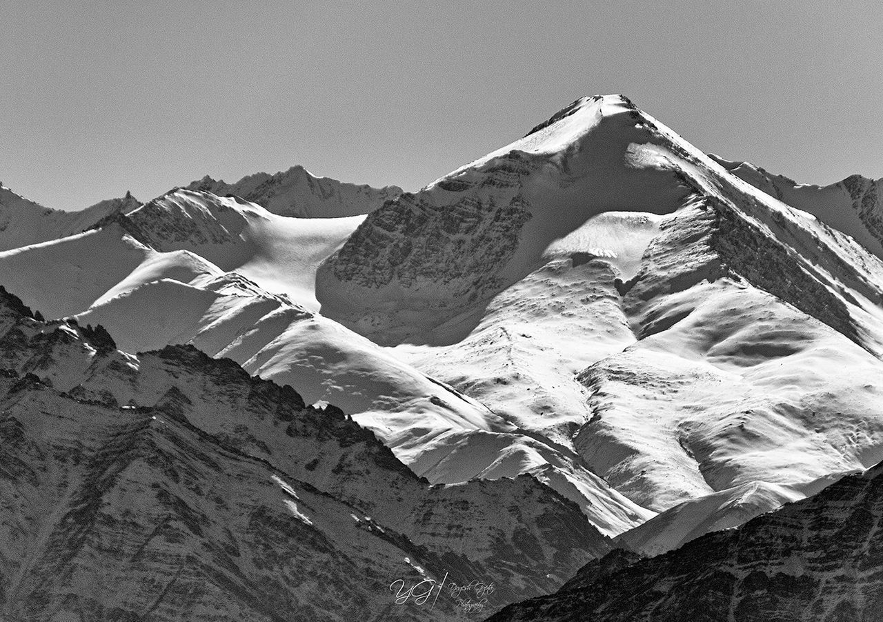 Stok Kangri Peak view from Leh Snow Mountain Mountain Range Snowcapped Mountain Mountain Peak Outdoors Natgeoyourshot Natgeo Eyeem Market Getty Images EyeEm Gallery Eyeemphoto EyeEm Best Shots EyeEm Masterclass Blackandwhite Blackandwhite Photography Black And White Collection  Beauty In Nature Close-up Incredible India Indianphotography