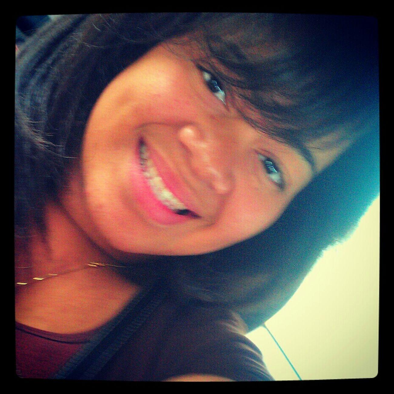 para ser Feliz; comienza por sonreir :D <3