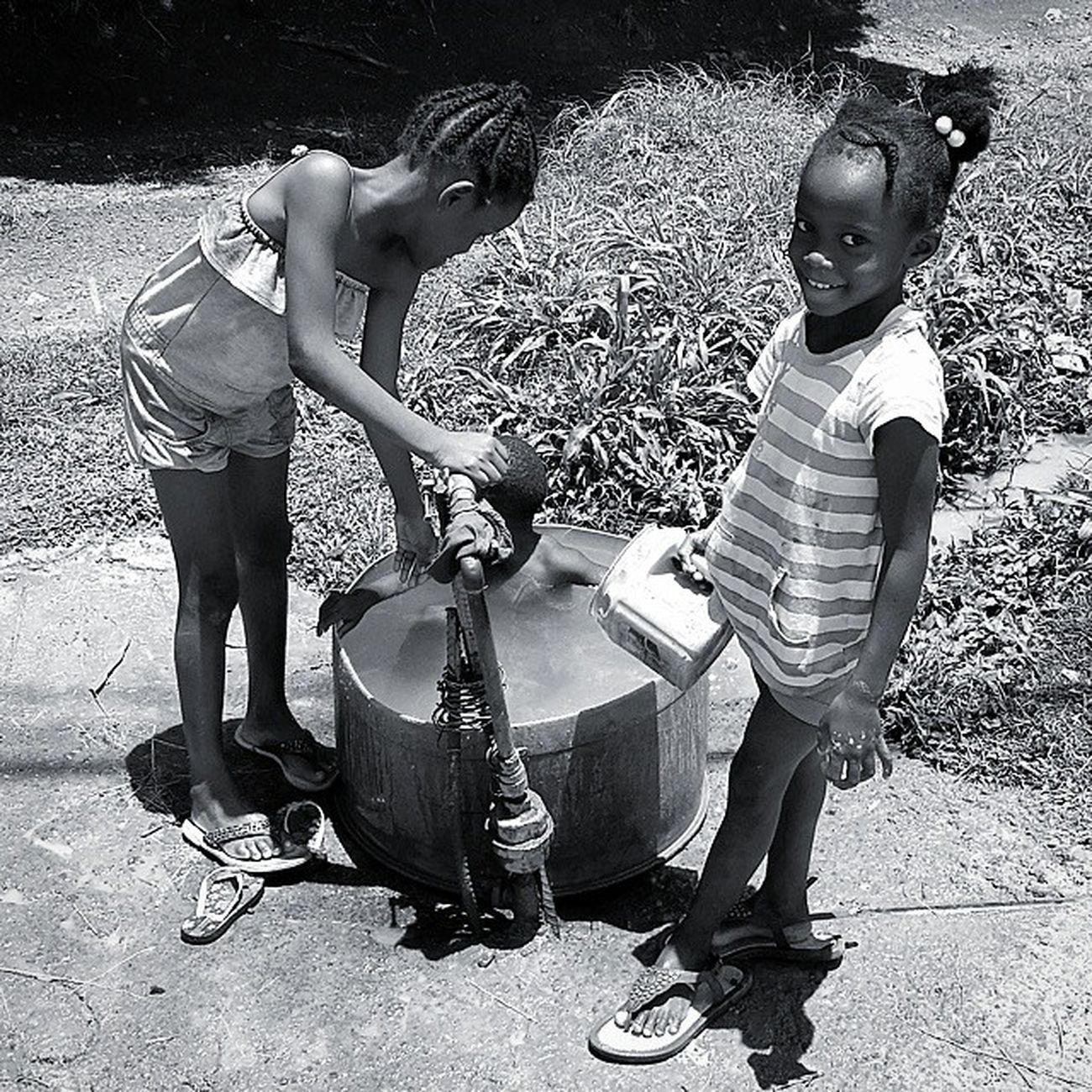 RICH IN LOVE !! Kidsmood_bnw PureGrenada Livefunner Uncoveryours Westindies_landscape Ig_caribbean Amazingphotohunter Andyjohnsonphotography Theblueislands Ilivewhereyouvacation Islandlivity Streetphotography Stunning_shot Insta_noiretblanc Kids Nhdaily Naturalhair 4chairchicks 4chairkids Grenada