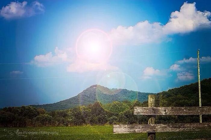 Kentucky  Summer days. Sun Cloud