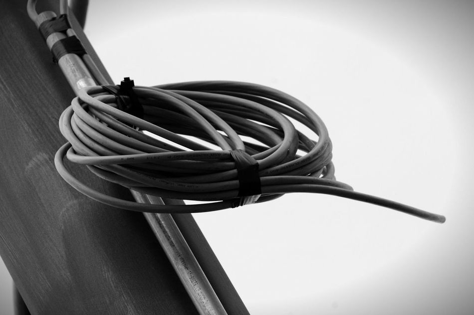 Connection Close-up Outdoors No People Canonphotography Canoneos Built Structure Architectural Detail Amateurphotography Bnw Details In Close Up City Street Street Canon_offical Passionforphotography Canon_photos Canon_bw Canon_camera Canon1100d Canoneos1100D Canon_official Metal Exploring Canon_shoot Road Sign