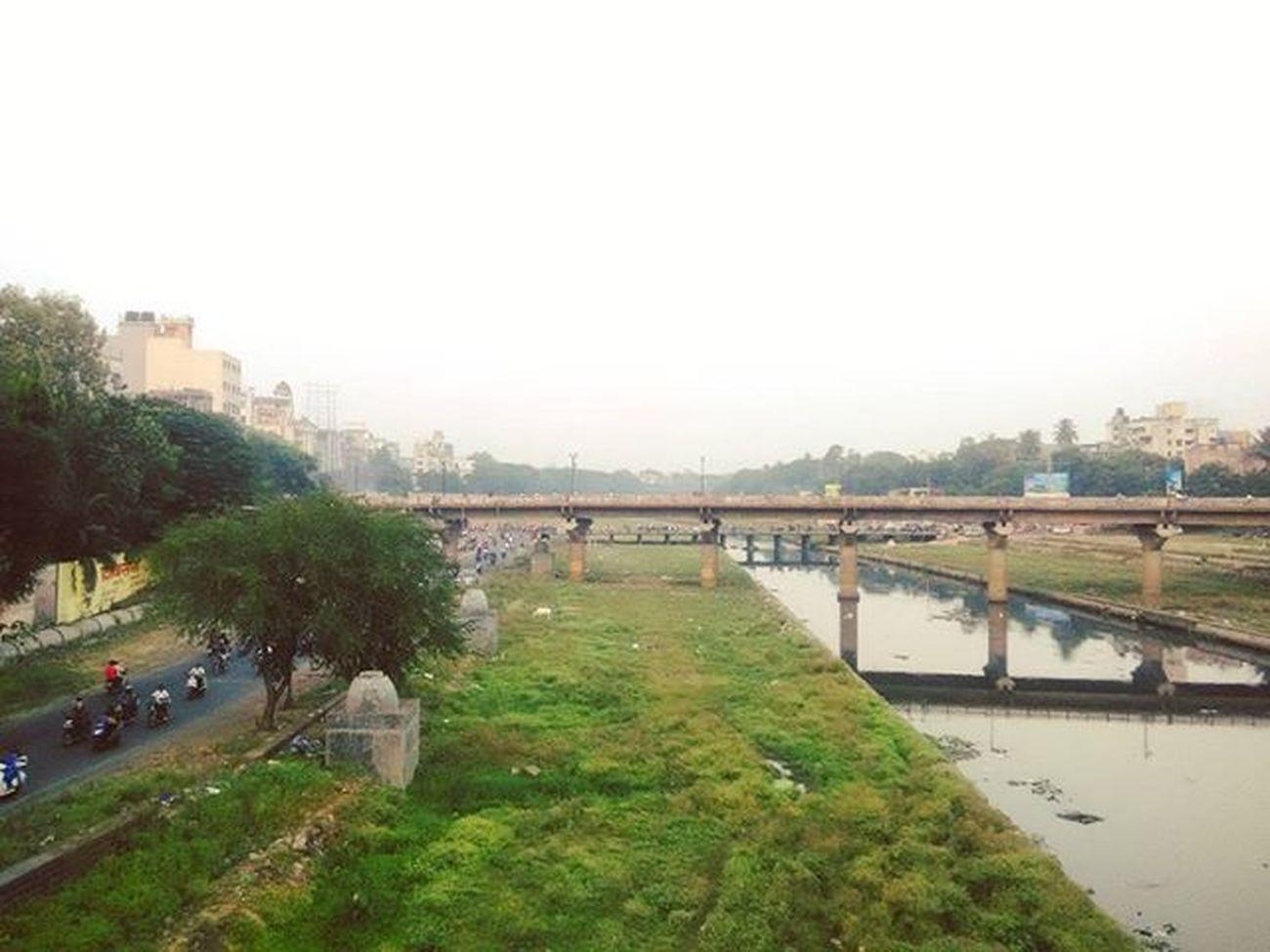 Bridge, then bridge behind and again a bridge. Pune Bridges Artificial India Traffic Indianroads