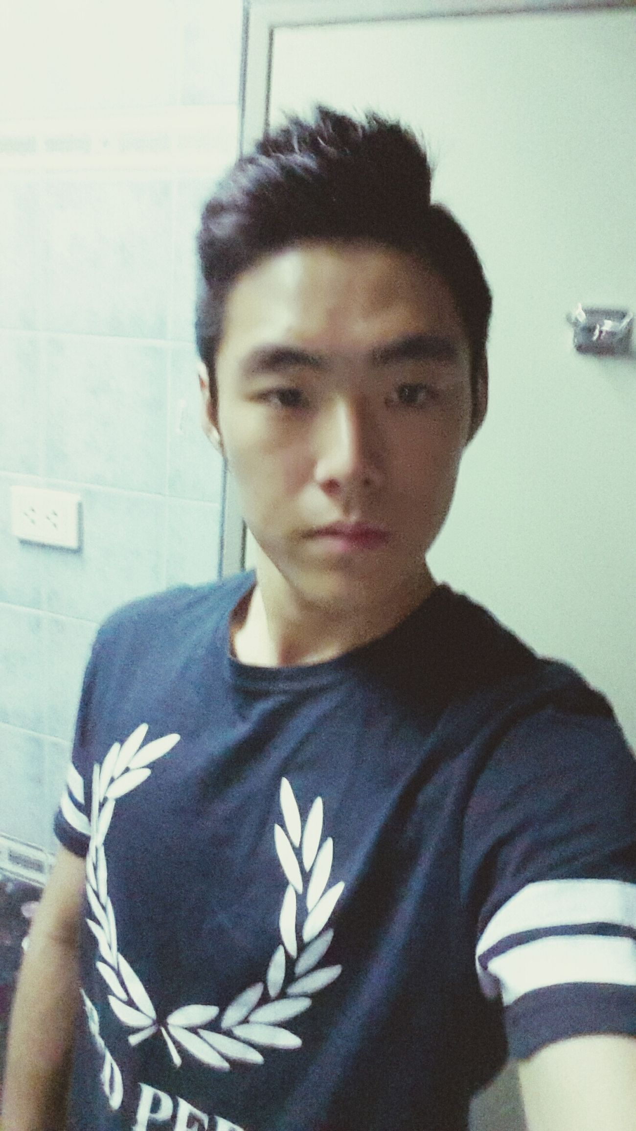 Hello guys nice to meet you I'm Korean :) Hola encantados :) soy Coreano