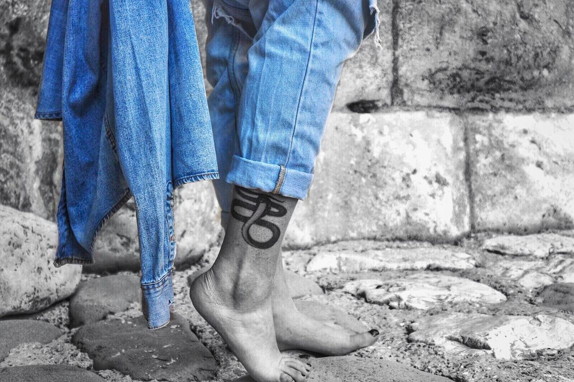 Black And White Blue Jeans Clothing Jeans Jeans Jacket Ripped Jeans Tattoo Tattoo Lover Snake Snake Tattoo Legs Foot Rijeka City Photography Welcome To Black