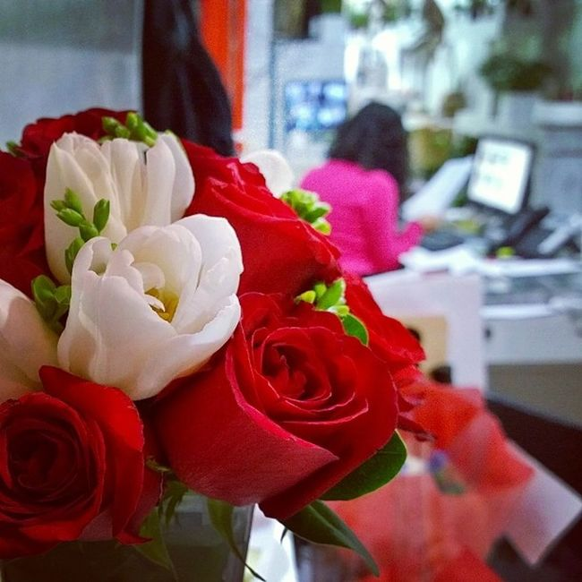I get to check off a Bucketlist item today; Work at a florist on Valentine's Day!! Best part is it kinda just fell on my lap, a former coworker owns a flower shop and needed help coz an employee had surgery!! Sad for her... Happy got me! ^_^
