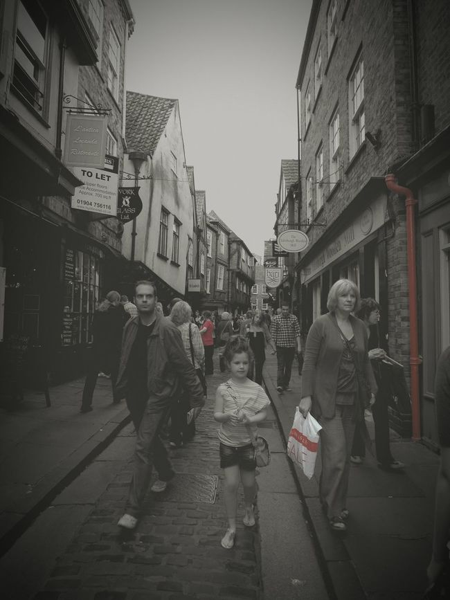 A little street in York Forgot About This Picture Flashbacks Blackandwhite York Yorkshire Street