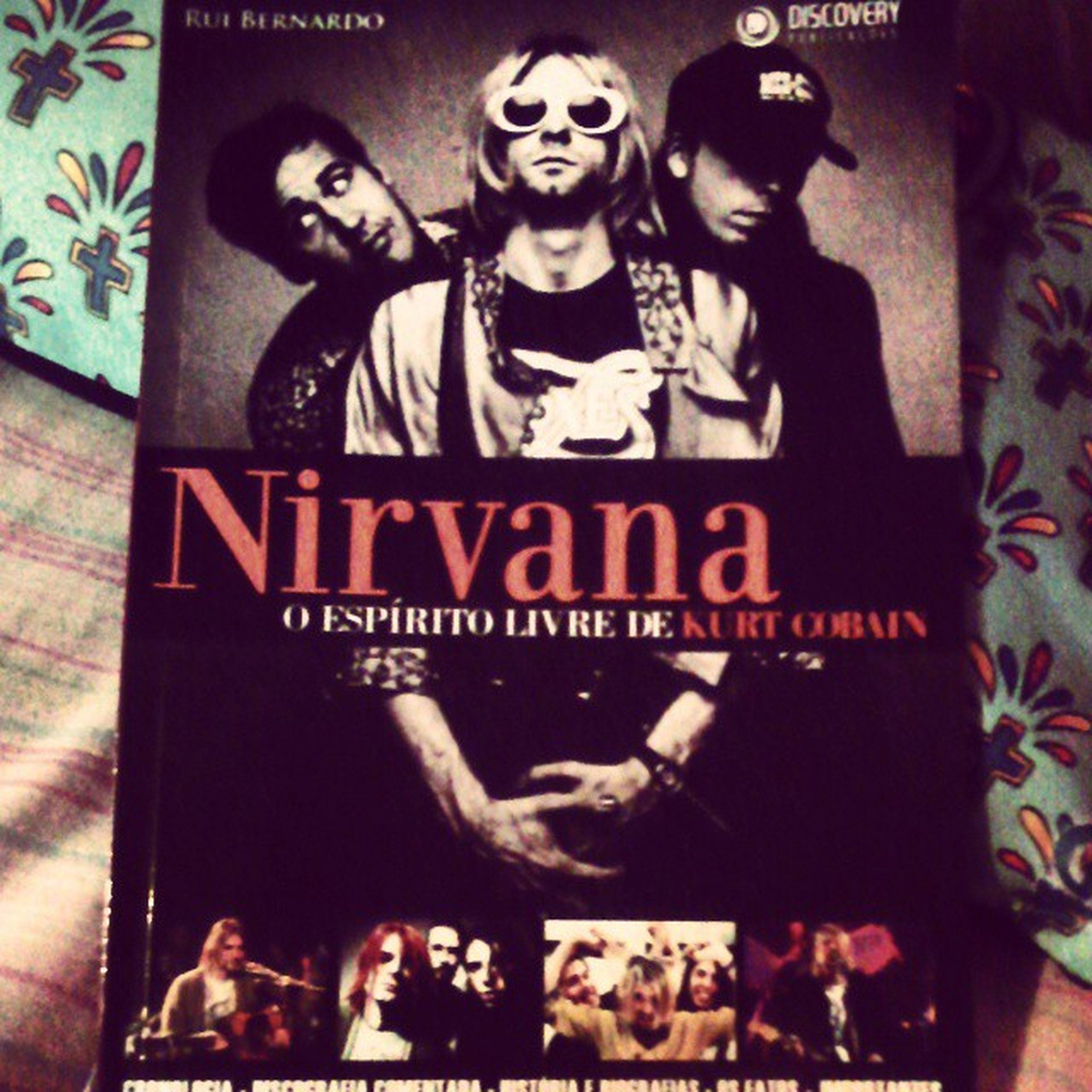 meu novo livro do Nirvana O espírito livre de Kurt Cobain ❤ Nirvana FooFighters Kurtcobain Kristnovoselic Davegrohl OespíritolivredeKurtCobain RuiBernardo Biografiakurtcobain