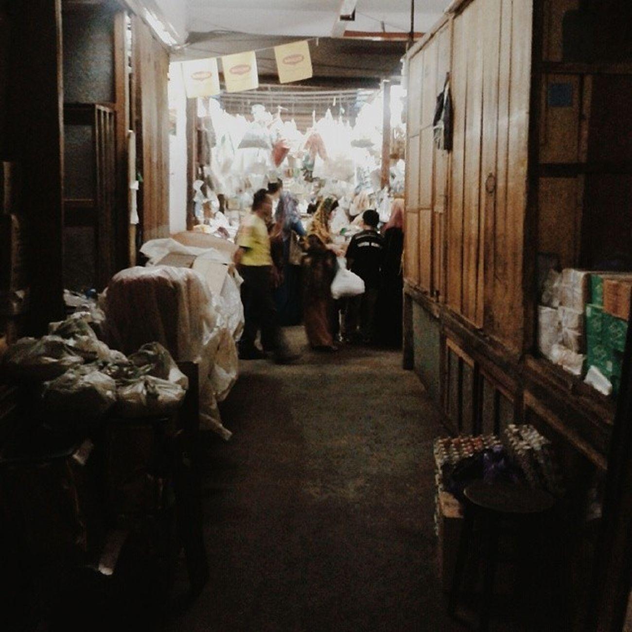 Siti Khadijah's Market Vscocam Vscostreets Vscovisuals