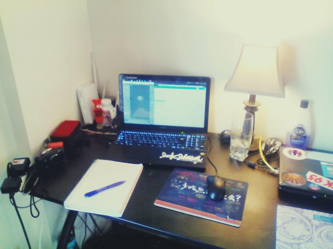 Ours Home My Desk Workshop GIMP Photo Editor Blender Freelance Life Mention