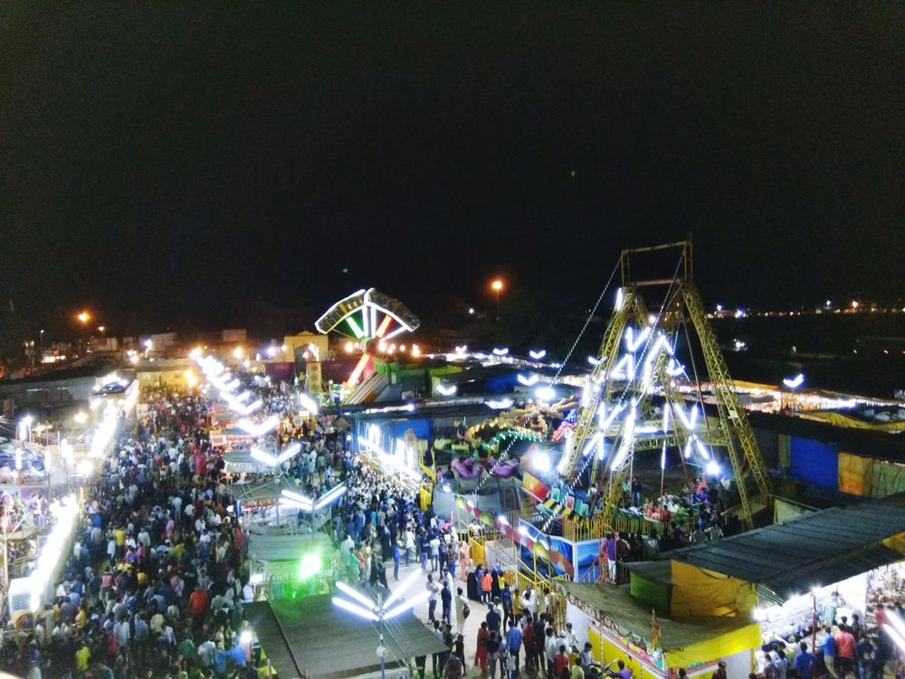 Light Lights Exhibition Rides Rides At Fair Top View View From Giant Wheel Fair Fairy Lights People Gathering