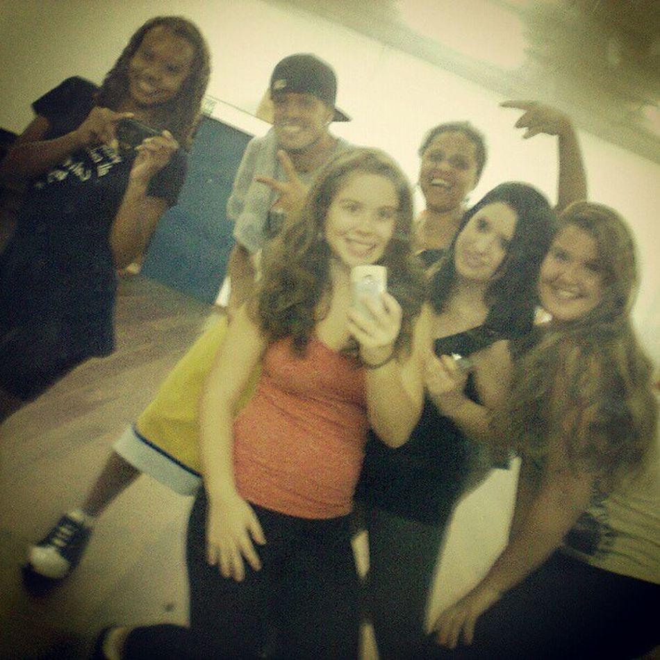 - Galerinhaa Liinda Do Street Dance!!!!! :D - @thacadorso BrunaMonteiro @maharaf CristinaDeSouza AlexandreMelo (Ssor)