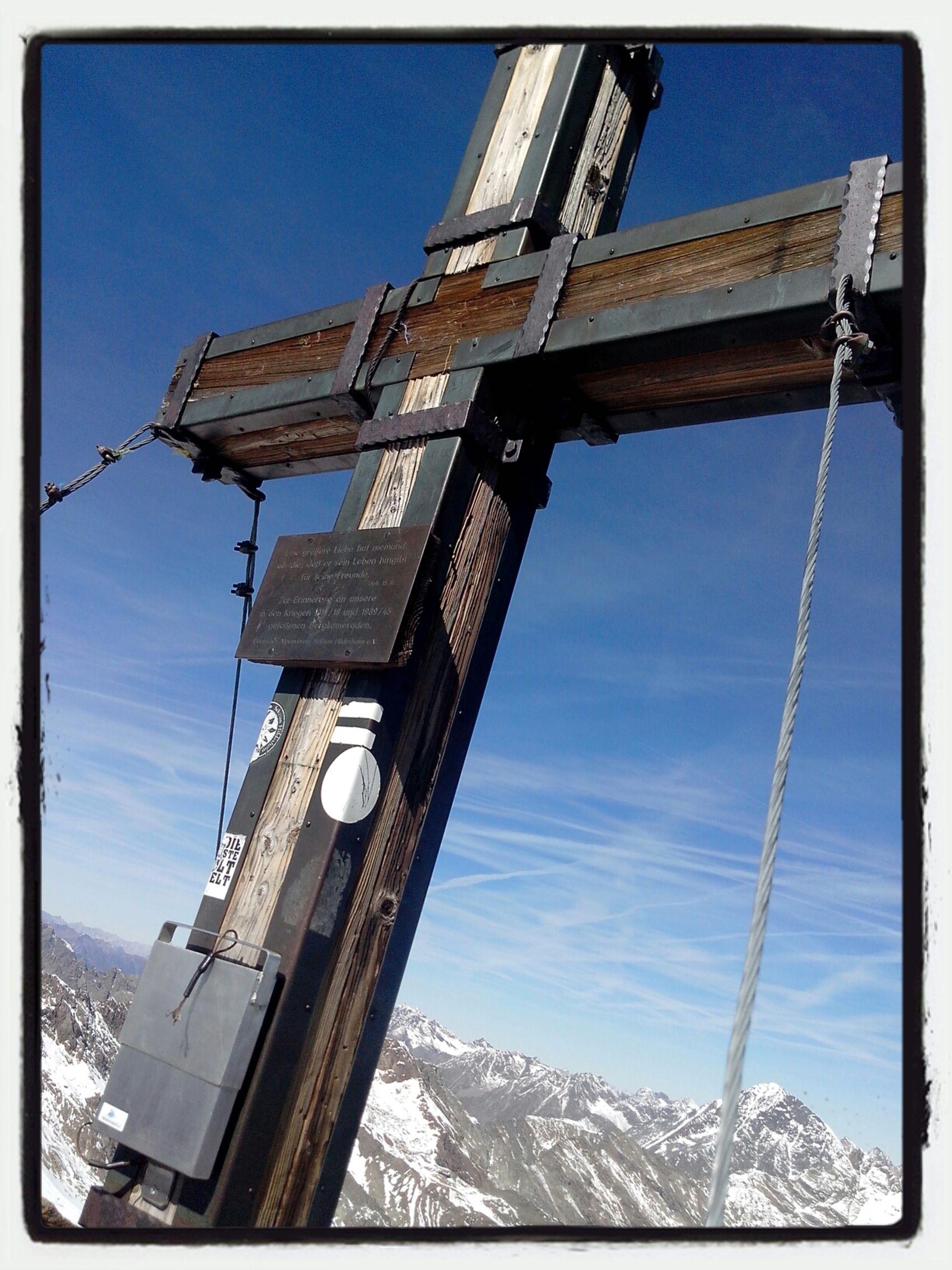 Schaufelspitze (3.332m) Gipfelkreuz Stubai Glacier AMPt - My Perspective