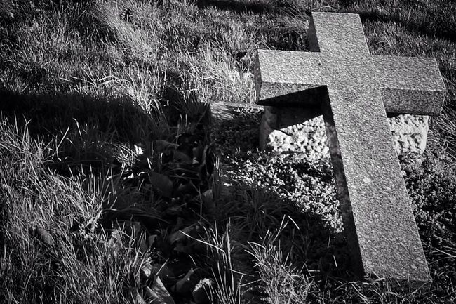 Dark Photography Darkart Noir My Unique Style Eye4photography  Black And Light Graveyard Graveyard Beauty Cemetery Photography Black&white Blancoynegro Monochrome Bw_collection