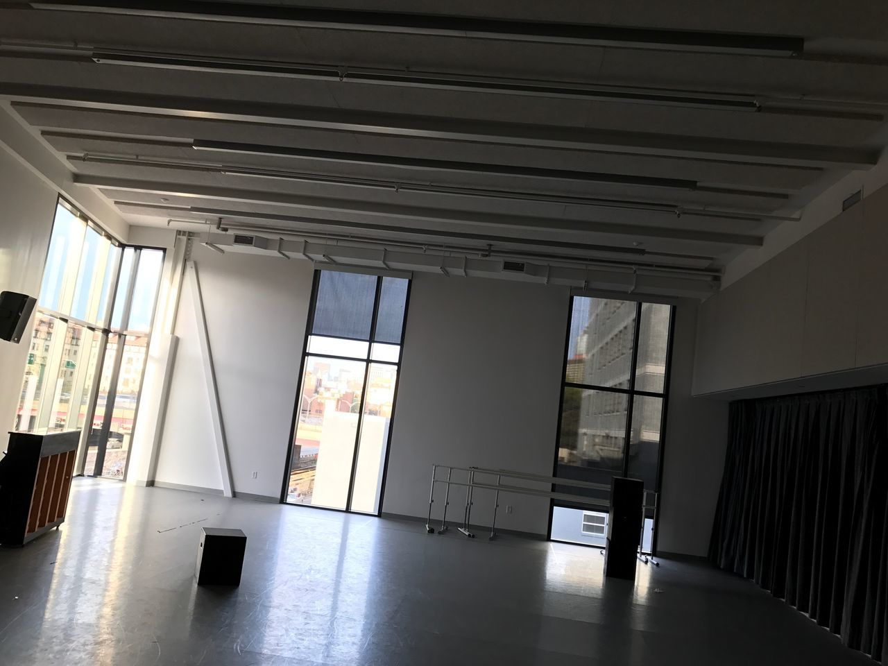 indoors, architecture, built structure, no people, day, bookshelf