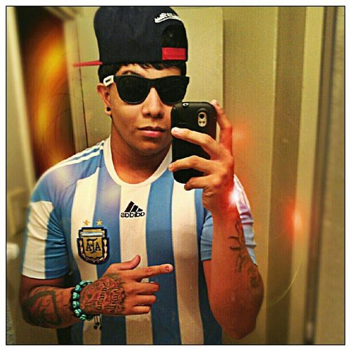 Aquí apoyando el equipo internacional que va ser campeón mundial en brasil 2014! Argentina Selecci ón Alviceleste F útbol brasil 2014 fifa worldcup me tattoos tatted adidas miamiheat mitchellandness snapback costom raybans diamond jade shamballas swag wavy followme instaswag black spacer latino JotaElSinico