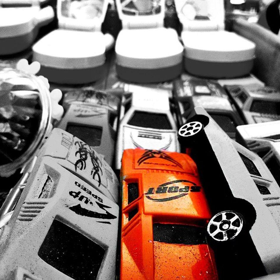 Kids love cars....even men! RB Pondicherry Rockybeach Pondybeaches Bnw_india BlackandColor Cars Men Weekends F4F Followforfollow Streetphotography _oye _cic _soi