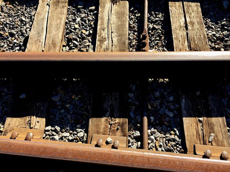 Rule Of Thirds Rule Of Odds Photo Challenge Rule Of 3 Rule Of Odds Rule Of Threes Traintrack Traintracks Wood Wood - Material Pebbles And Wood Pebbles Pebble Urban