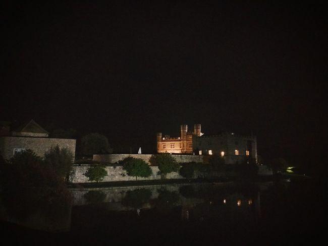 Castle Castle At Night Leeds Castle Castles Castle View  Historical Historical Buildings England 🌹 Night Lights Night Photography Night View Nightlife Nightview Outdoors England🇬🇧 Historical Monuments Uk England, UK