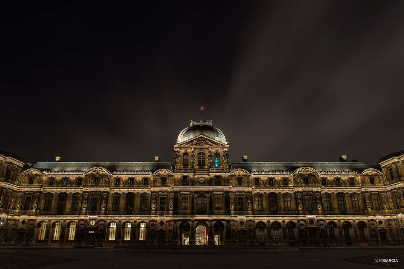 France Louvremuseum Louvre Musse Du Louvre Parisian NiceShot Eyemfrance Street Photography Eyembestshots Eyeemfrance