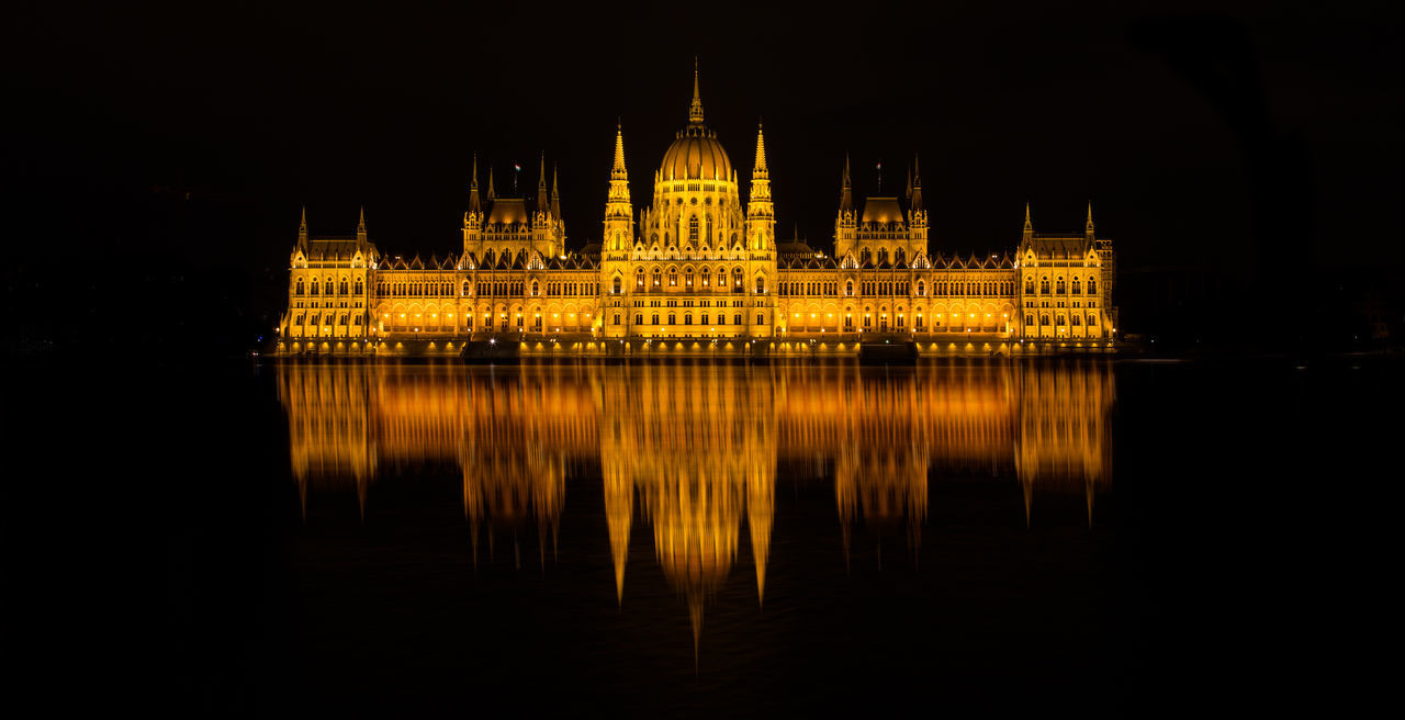 17-40mm 6D Architecture Budapest Building Exterior Canon Hungary Night Parlament Parliament
