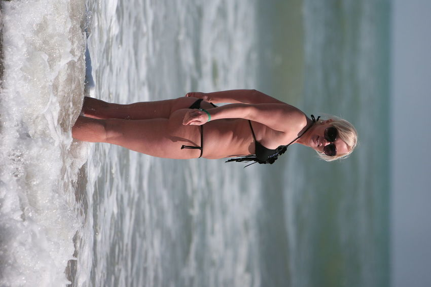 slim or fat ? smimming blong girl Bath Camping Life Fat Gucci Swimsuit Italy🇮🇹 May Near Venice Slim Slim Or Fat ? Smimming Blong Girl Spring Stringinstrument Strings Summer Sunglasses Vacations Venice Beach Venice, Italy Water Weekend