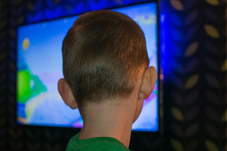 Headshot One Boy Only One Person Children Only Child Males  Childhood Close-up Portrait People Indoors  Cartoon Watching Wall Backlit Indoors  Night Green Television Kid Tv