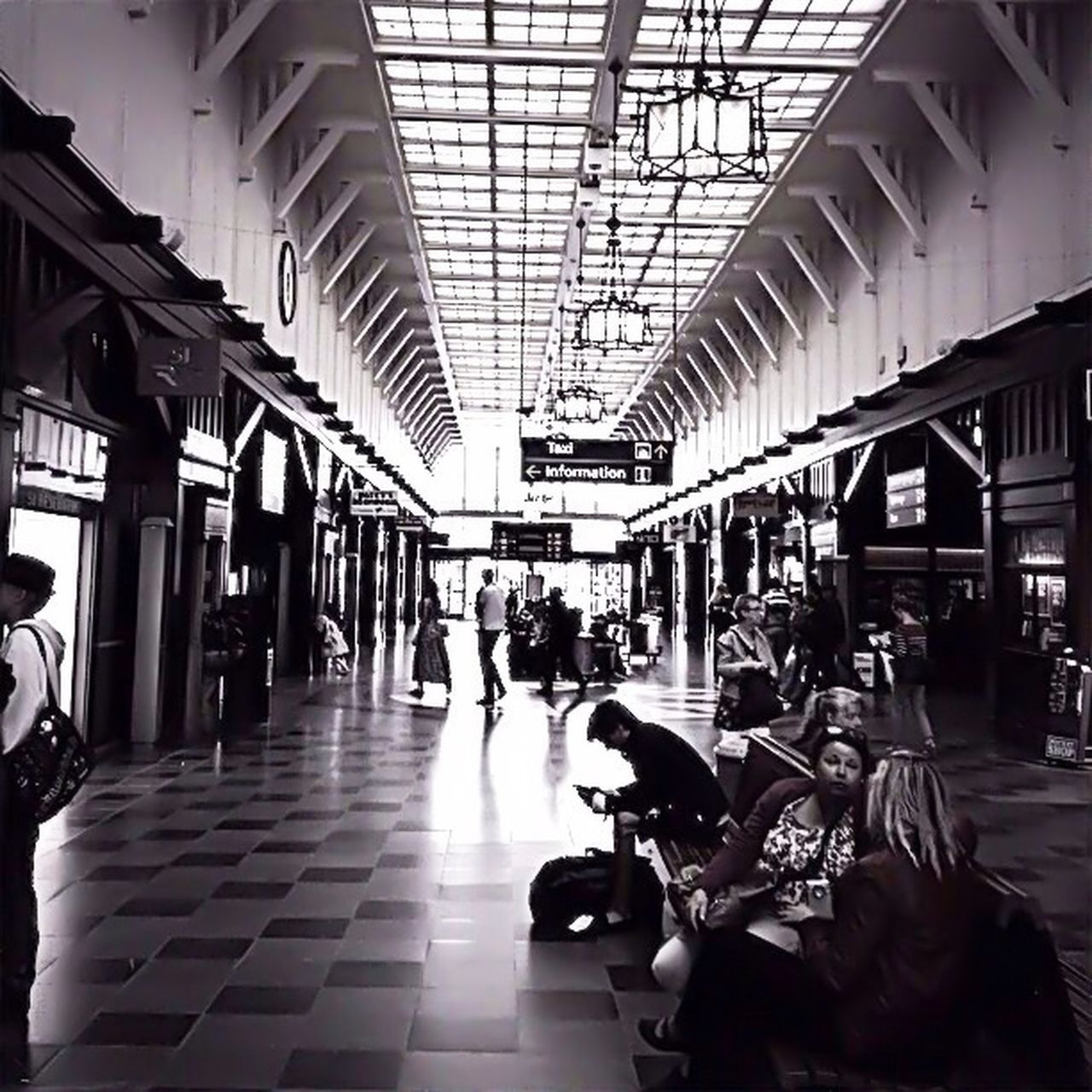 transportation, travel, indoors, large group of people, journey, airport, real people, men, day, people, architecture, adults only, adult, crowd