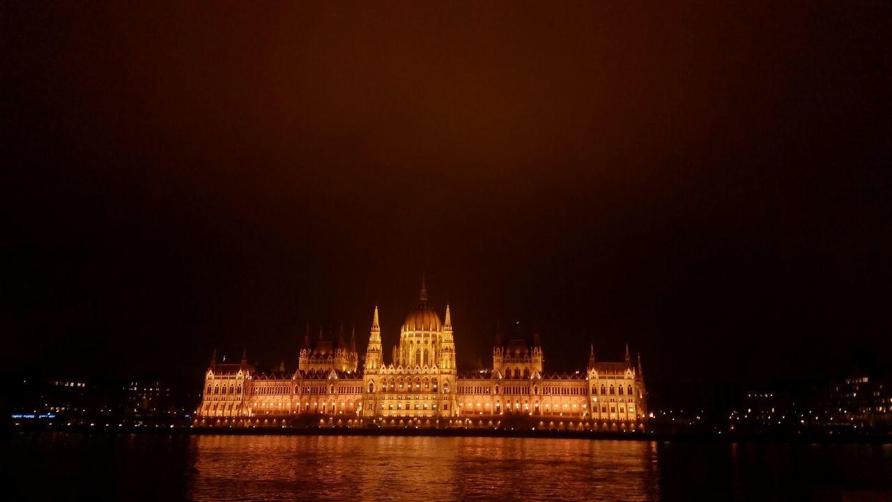 Parlament Budapest Budapeste Hungary Hungria Gold Night Lights Budapest Budapest, Hungary Building Hungary