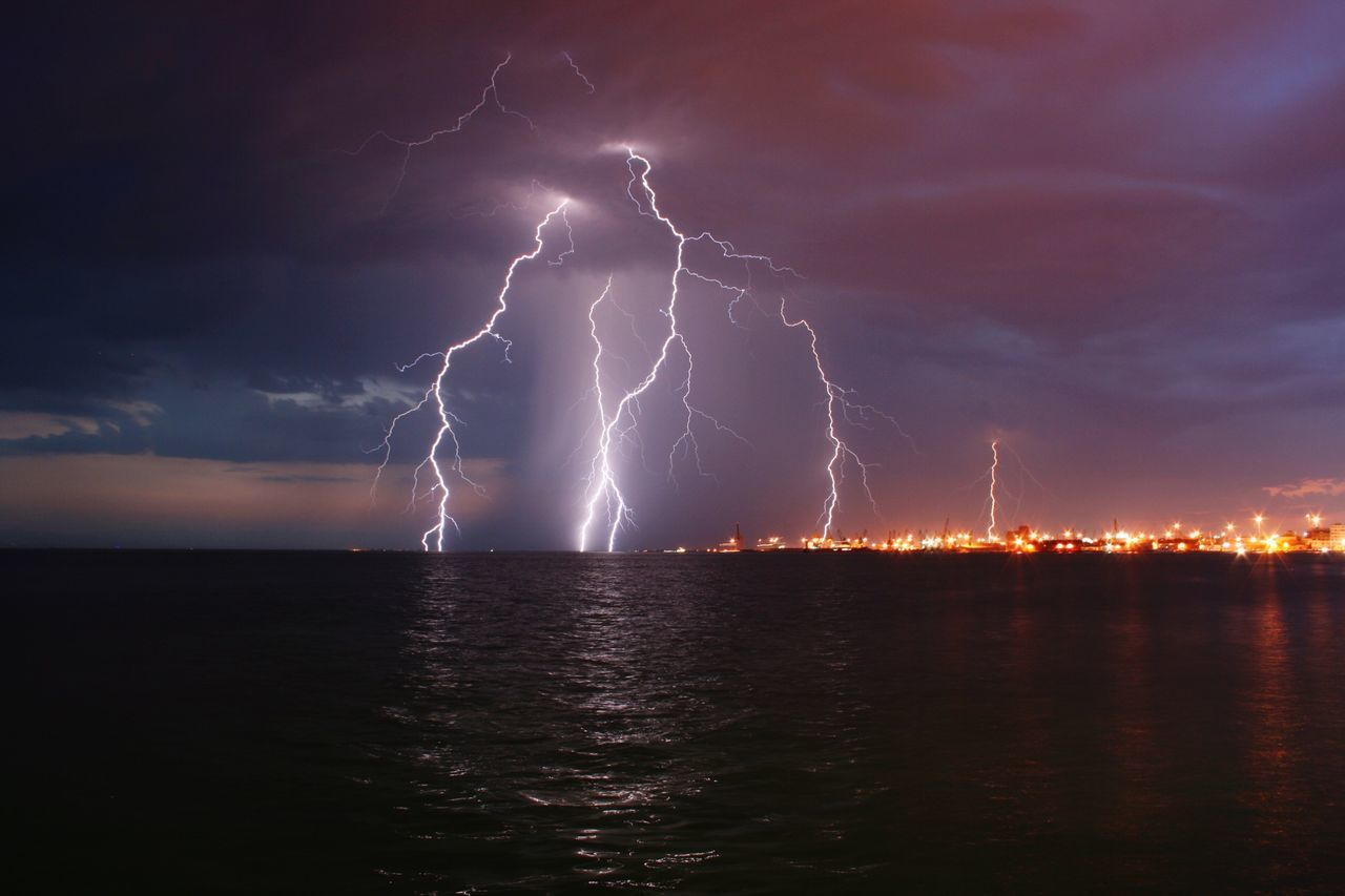 Beautiful stock photos of lightning, Beauty In Nature, Cloud - Sky, Cloudy, Danger