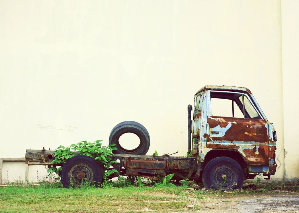 Old Truck Transportation Outdoors Wild Plants Mode Of Transport Parking Damaged Corrosion Paint Street Photography EyeEm Street Photography