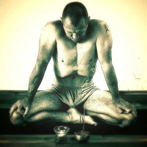'Diving Deeper - Pranayama and Meditation Foundations' a Yoga workshop with Ishwara at LuckyElephantYoga , Hamilton, Bermuda. 11:30 am to 1pm. Sunday Nov 15th Free to members or $35 We will explore the relationship between 1. Wellness and cellular oxygenation 2. Stress and over thinking 3. The solar plexus and self worth 4. Breath retention and oxygen saturation 5. Meditation and acceptance All Through the fundamentals of breathwork, pranayama and Meditation first principles. I hope that you will join us and see for yourself the importance of the softer Yogas for inner peace and a long healthy life. Yogainbermuda LuckyElephantYoga Yoga Yogaworkshop Health Pranayama Prana Yoga Meditation Bermuda Hamilton Oxygenation Cellularbody Vitality Solarplexuschakra Sokarplexus