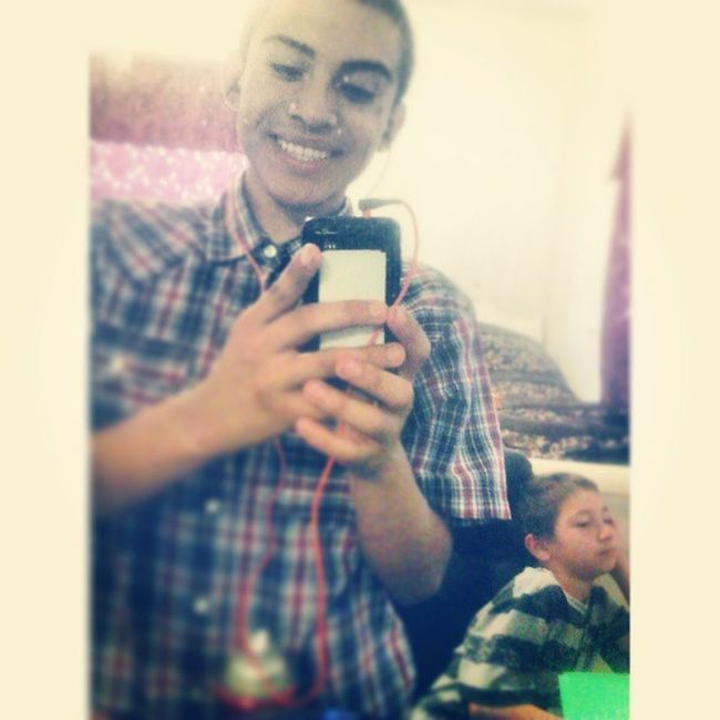 WednesdayPicture Day 5: Julian In The Background Tho ' JunePhotoChallenge WednesdayPicture Day5 BigBrother LittleBrother