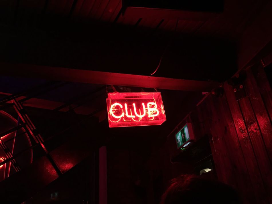Club It's A Sign Neon