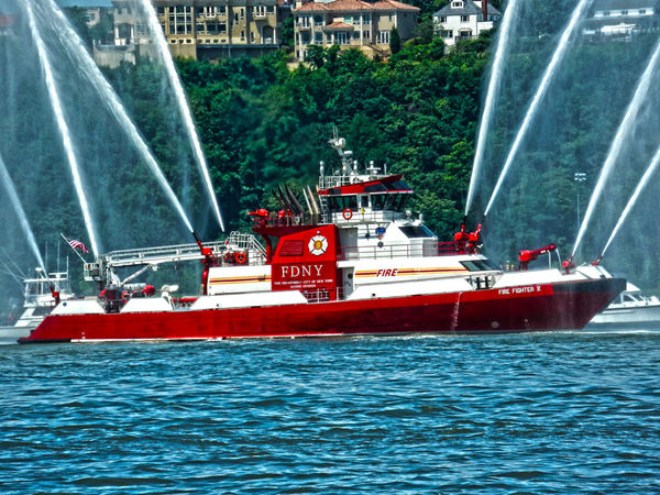 Fdny Fire Fighter Fire Fighting Equipment Fire Fighting ♡ HDR New York New York City Newyorknewyork Ship Ships⚓️⛵️🚢 Water