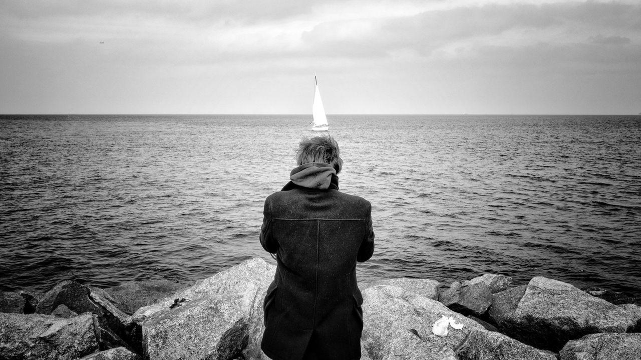 Blackandwhite Angle Stil Perspective Sailing Sailboat Picoftheday Streetphotography Black & White Beachphotography Boat Monochrome Blancoynegro Headshot Showcase: February People Of The Oceans
