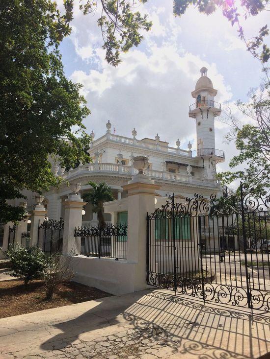 Casona Mérida Yucatán Building Exterior Built Structure Architecture Outdoors Sky Tree Sculpture No People Day
