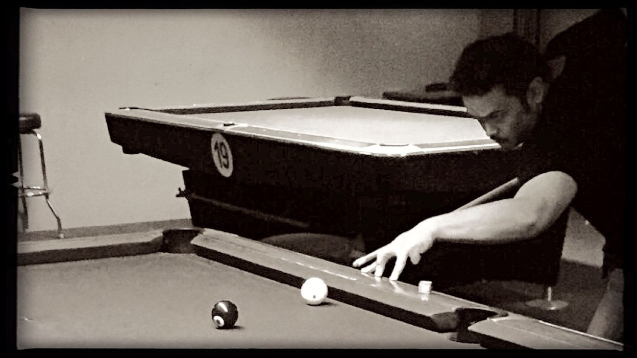 Pool Billard Hanging Out 9 Ball Playing Pool