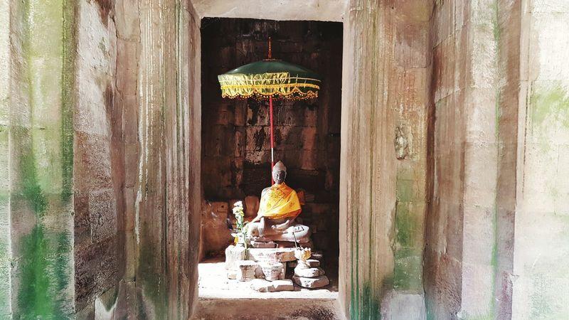 Kambodia Buddha Statue Window
