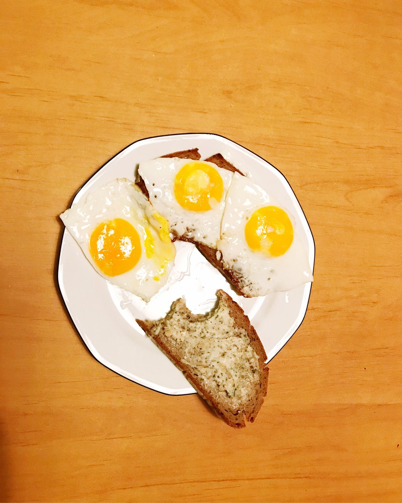 Ei Ei Ei Egg Food Freshness Food And Drink Plate Egg Yolk Ready-to-eat Breakfast Serving Size Yellow Egg White Meal Appetizer Indoors  High Angle View Indulgence Fried Egg No People Table Close-up Foodie Eier Spiegelei